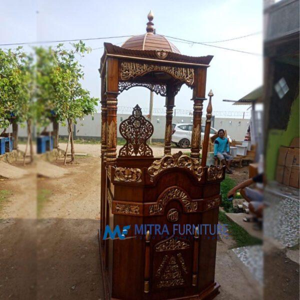 Mimbar Masjid Jati Di Jember